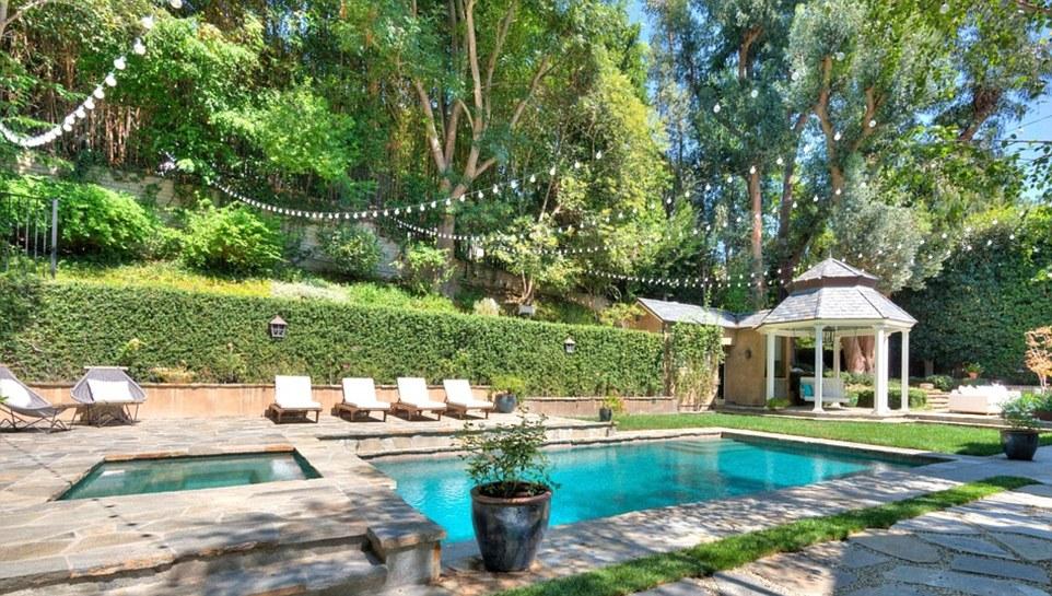 Adele's LA Mansion Exterior.jpg