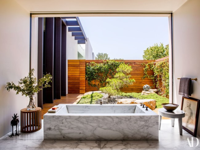 Jennifer Aniston and Justin Theroux's L.A. Home (7)